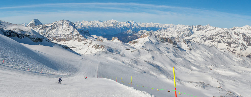 best place to go skiing in april, enlish ski lessons breuil cervinia italian alps